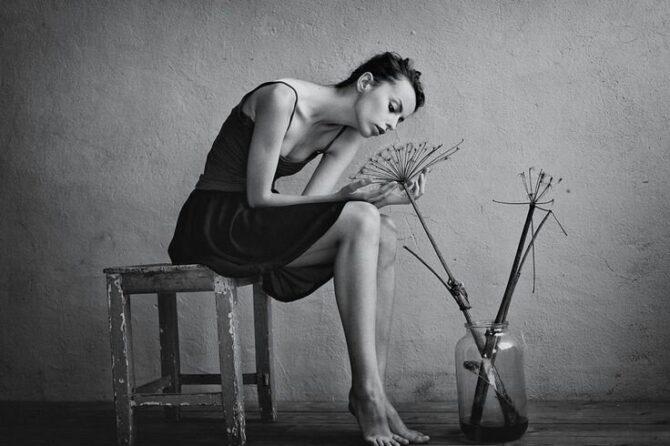 Kobieta która zbyt długo tkwi w samooszukiwaniu, po prostu przestaje być sobą.